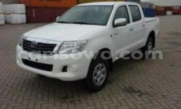 Acheter Neuf Voiture Toyota Hilux Blanc à Cotonou au Benin
