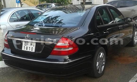 Acheter Occasion Voiture Mercedes-Benz E–Class Noir à Cotonou, Benin