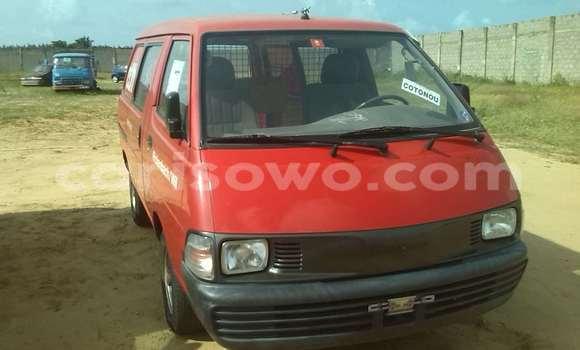 Acheter Occasion Voiture Toyota Echo Rouge à Savalou au Benin