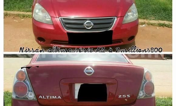 Acheter Occasion Voiture Nissan Almera Rouge à Cotonou au Benin