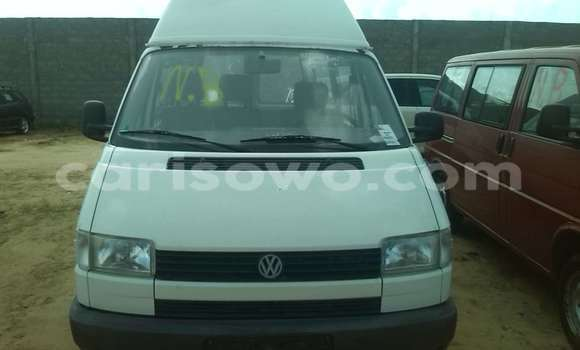 Acheter Occasions Voiture Volkswagen Beetle Blanc à Porto Novo au Benin