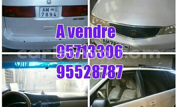 Acheter Occasion Voiture Honda Odyssey Blanc à Porto Novo au Benin