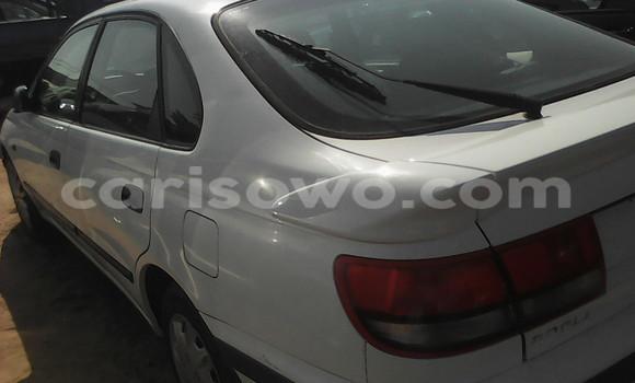 Acheter Occasions Voiture Toyota Carina Blanc à Cotonou au Benin