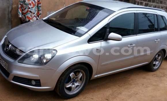 Acheter Occasions Voiture Opel Zafira Gris à Cotonou au Benin