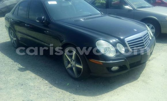 Acheter Occasion Voiture Mercedes‒Benz E-Class Noir à Porto Novo au Benin
