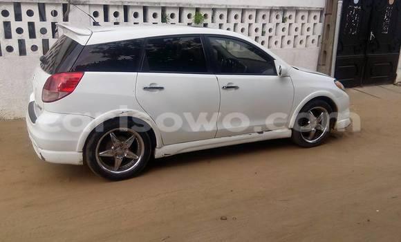 Acheter Occasion Voiture Toyota Matrix Blanc à Porto Novo, Benin