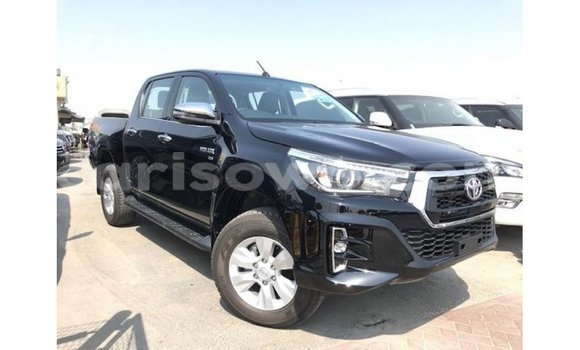 Medium with watermark toyota hilux benign import dubai 7825