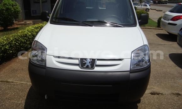 Acheter Neuf Voiture Peugeot 306 Blanc à Cotonou au Benin