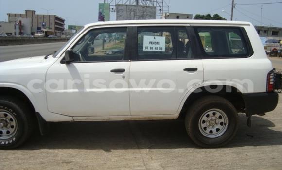 Acheter Occasions Voiture Nissan Patrol Blanc à Abomey Calavi, Benin