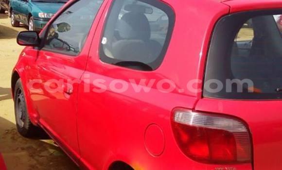 Acheter Occasion Voiture Toyota Yaris Rouge à Porto Novo au Benin
