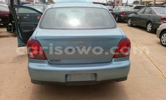 Acheter Occasions Voiture Toyota Echo Bleu à Cotonou au Benin