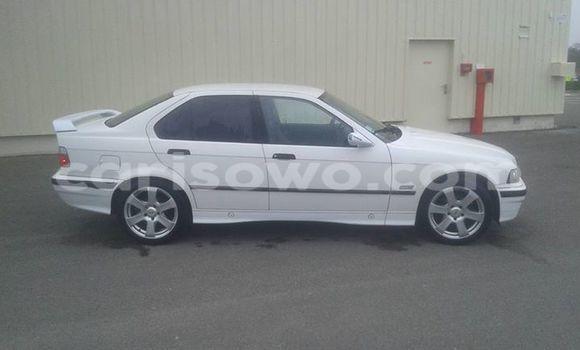 Acheter Occasion Voiture BMW 3–Series Blanc à Cotonou, Benin