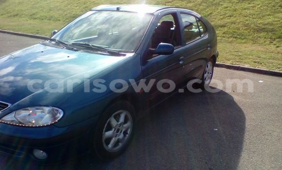 Acheter Occasion Voiture Renault Megane Bleu à Cotonou au Benin