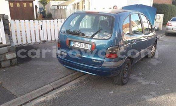 Acheter Occasion Voiture Renault Megane Bleu à Savalou au Benin