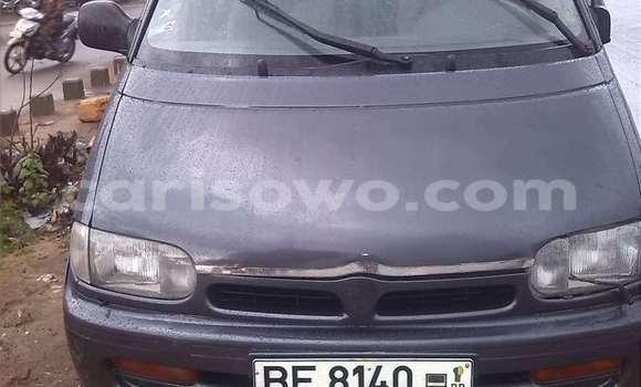 Acheter Occasions Voiture Nissan Serena Gris à Savalou au Benin