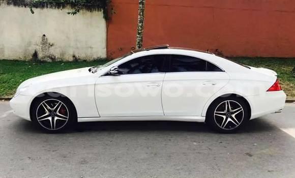 Acheter Occasion Voiture Mercedes‒Benz CLS–Class Blanc à Cotonou, Benin