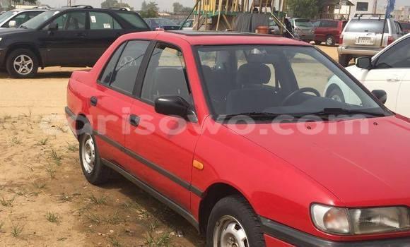 Acheter Occasion Voiture Nissan Sunny Rouge à Savalou au Benin