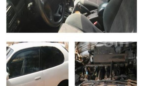 Acheter Occasion Voiture Toyota Corolla Blanc à Savalou, Benin