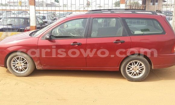 Acheter Occasion Voiture Ford Focus Rouge à Savalou, Benin