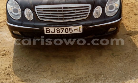 Acheter Occasion Voiture Mercedes‒Benz E–Class Noir à Cotonou, Benin