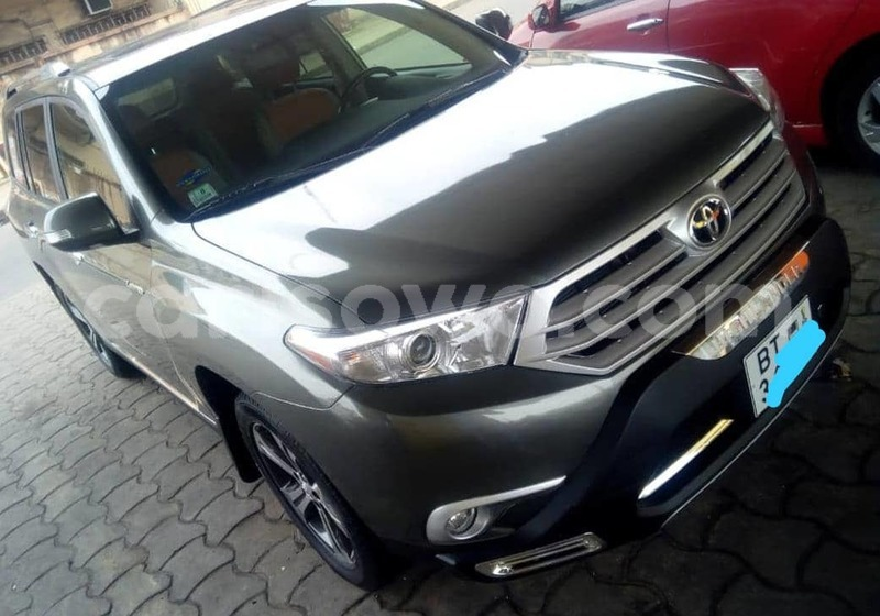 Big with watermark toyota highlander benin cotonou 9265