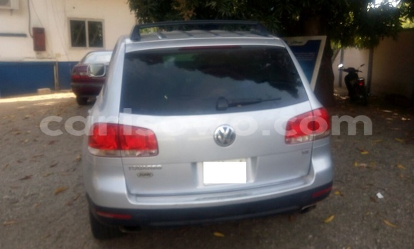 Acheter Occasion Voiture Volkswagen Touareg Gris à Savalou, Benin