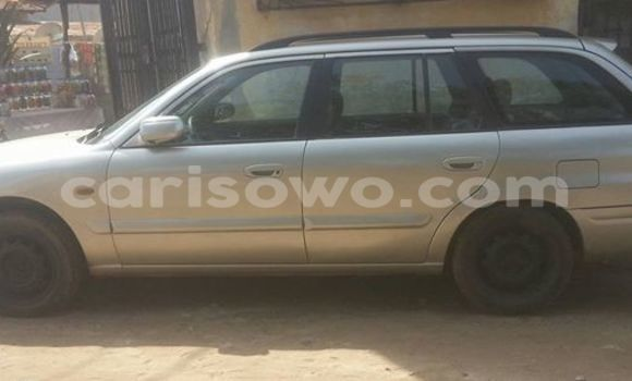 Acheter Occasions Voiture Mazda 626 Gris à Savalou au Benin