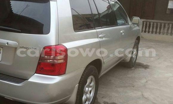 Acheter Occasions Voiture Toyota Highlander Gris à Savalou au Benin