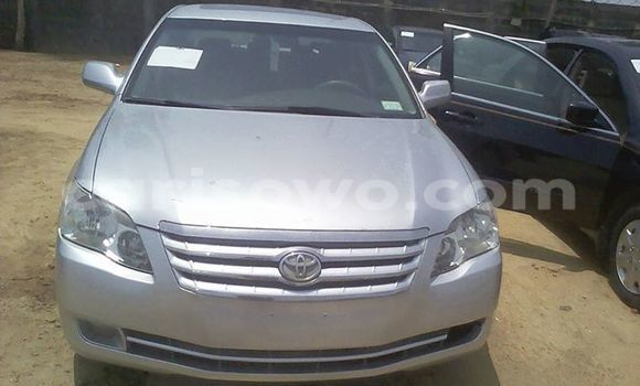 Acheter Occasion Voiture Toyota Avalon Gris à Savalou au Benin