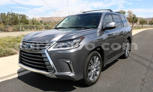 Acheter Neuf Voiture Lexus LX Blanc à Savalou au Benin