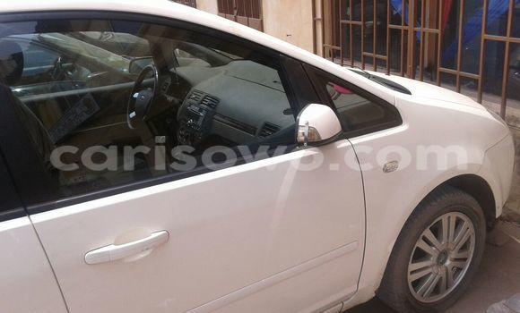 Acheter Occasions Voiture Ford Escape Blanc à Cotonou au Benin