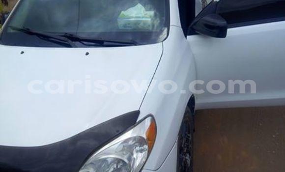 Acheter Occasion Voiture Toyota Matrix Blanc à Savalou, Benin