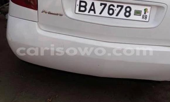 Acheter Occasion Voiture Nissan Primera Blanc à Savalou, Benin