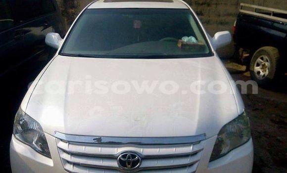 Acheter Occasion Voiture Toyota Avalon Blanc à Savalou au Benin