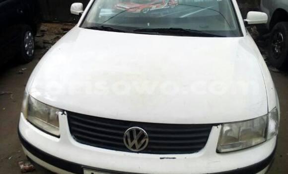 Acheter Occasion Voiture Volkswagen Passat Blanc à Savalou au Benin