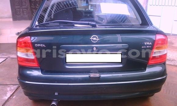 Acheter Occasion Voiture Opel Astra Vert à Cotonou au Benin