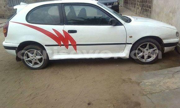 Acheter Occasion Voiture Toyota Corolla Blanc à Savalou au Benin
