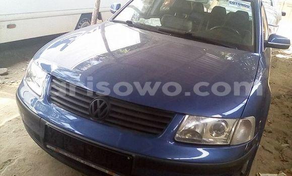 Acheter Occasion Voiture Volkswagen Passat Bleu à Cotonou au Benin