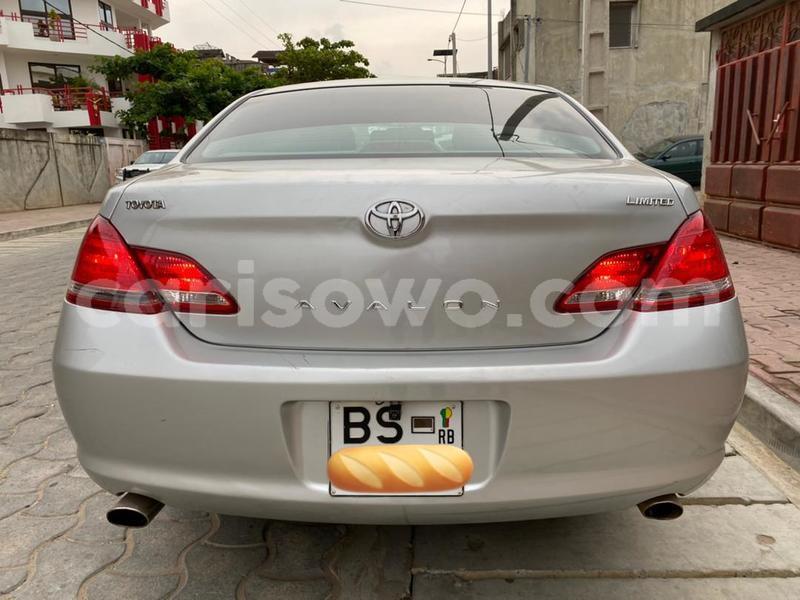 Big with watermark toyota avalon benin cotonou 10525