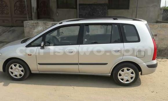 Acheter Occasion Voiture Mazda Premacy Gris à Cotonou au Benin