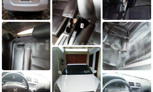 Acheter Neuf Voiture Honda Accord Blanc à Cotonou au Benin