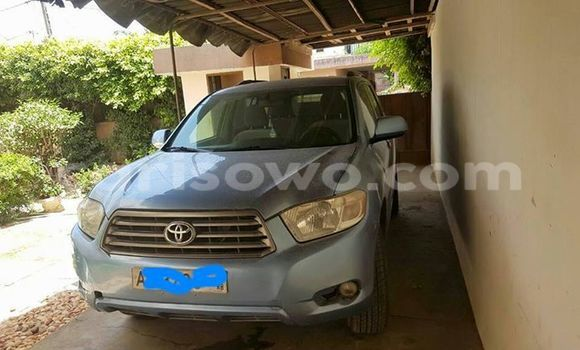 Acheter Occasion Voiture Toyota Highlander Bleu à Savalou au Benin