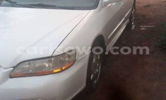 Acheter Occasion Voiture Honda Accord Blanc à Cotonou au Benin