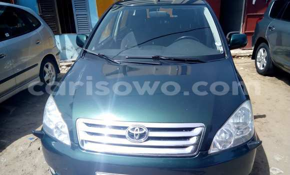 Acheter Occasion Voiture Toyota Avensis Vert à Savalou au Benin