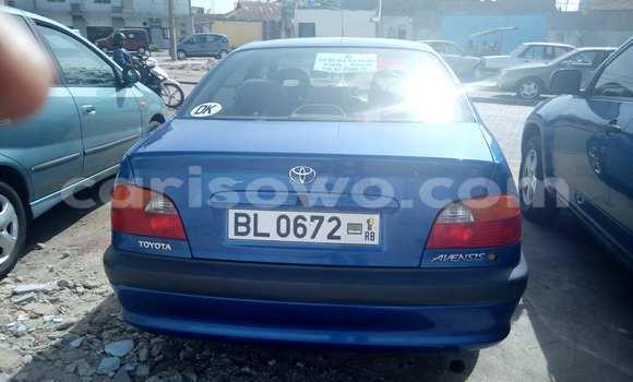 Acheter Occasion Voiture Toyota Avensis Bleu à Cotonou au Benin