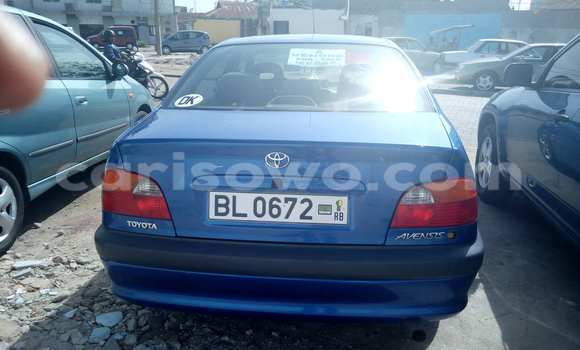 Acheter Occasion Voiture Toyota Avensis Bleu à Cotonou, Benin