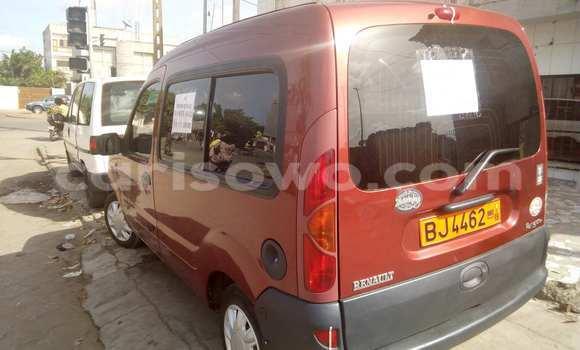 Acheter Occasion Voiture Renault Kangoo Rouge à Cotonou au Benin