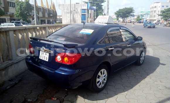 Acheter Occasion Voiture Toyota Corolla Bleu à Cotonou au Benin