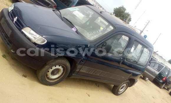 Acheter Occasion Voiture Renault Kangoo Bleu à Porto Novo au Benin