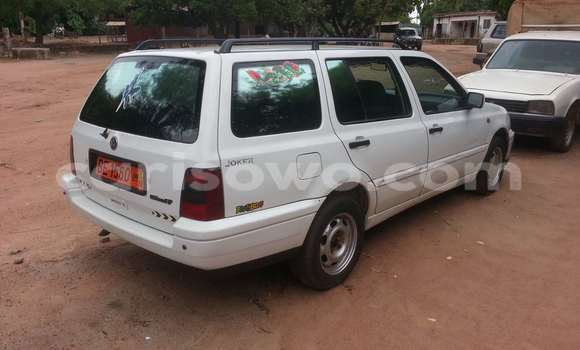 Acheter Occasion Voiture Volkswagen Golf Blanc à Parakou au Benin